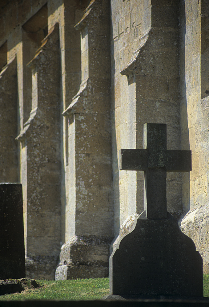 Cross in Naunton Churchyard