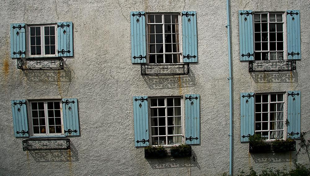 Blue Shutters, Lyme Regis