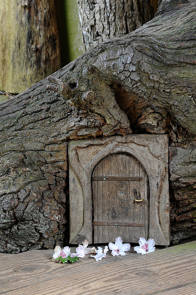Furzey Gardens New Forest Fairy Door 'Elf Bower'