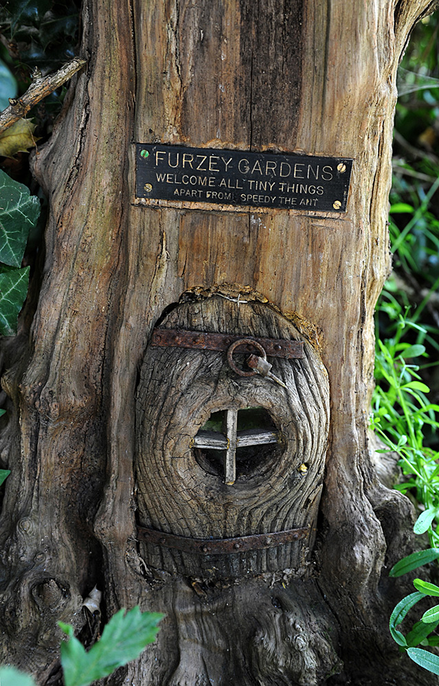 Furzey Gardens New Forest Fairy Door 'Welcome All Tiny Things'