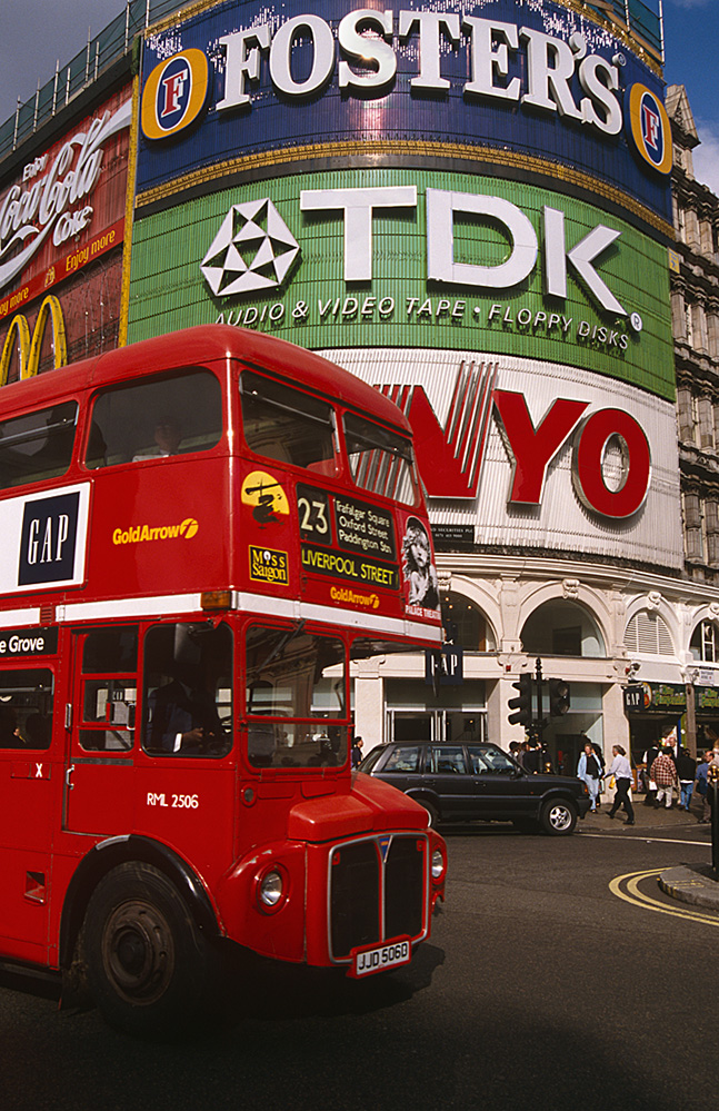 Red Bus in Piccadilly Circus