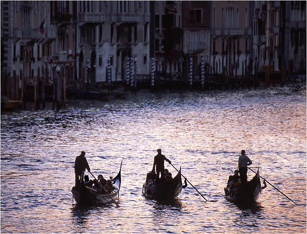 Gondola Trio, Grand Canal