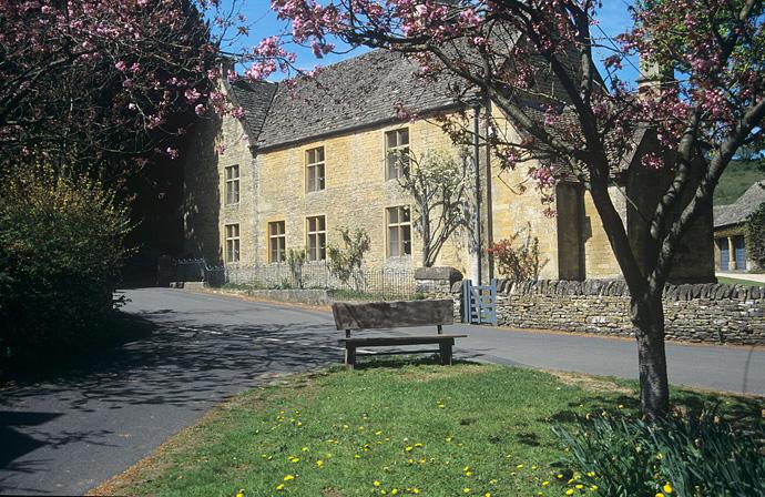 Cotswolds - Thatch Cottage, Upton St Leonards